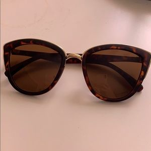 Quay My Girl Tortoise Sunglasses